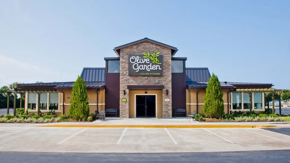 3 Reasons Olive Garden 39 S Never Ending Pasta Pass Is A Mistake