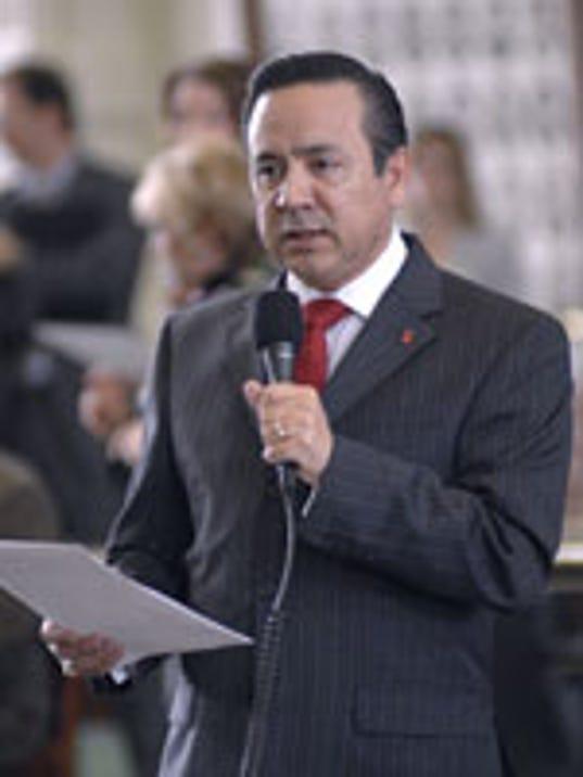 Carlos Uresti