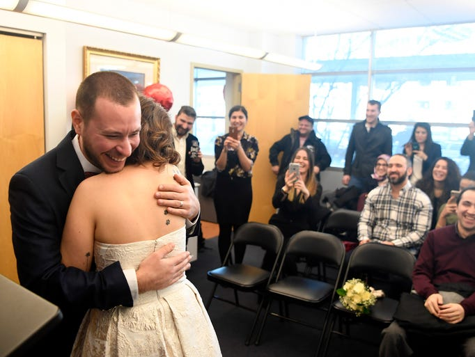 photos couples wed on valentines day