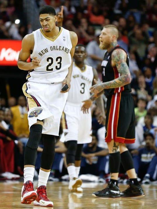 SHR 0323 Pelicans