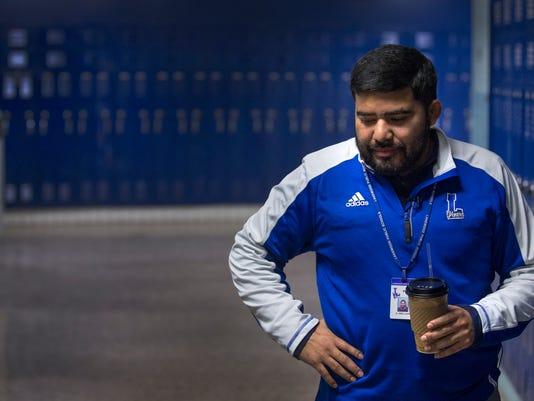 Coach Oscar wide 1