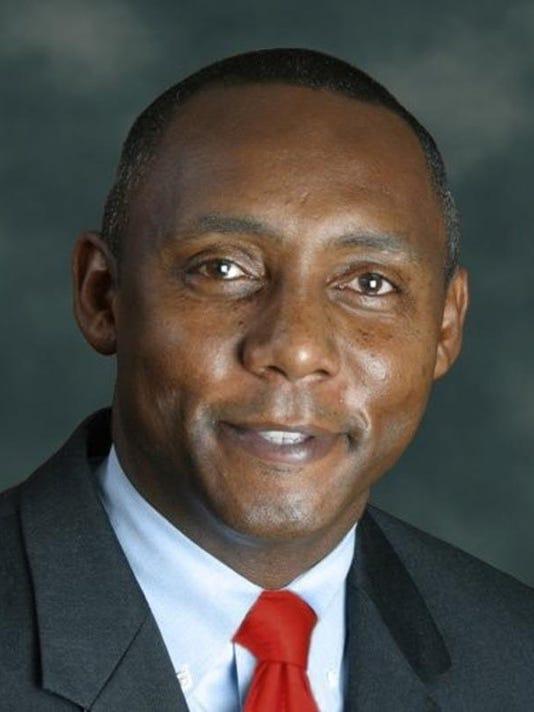 -CommissionerChrisEpps.jpg_20110113.jpg