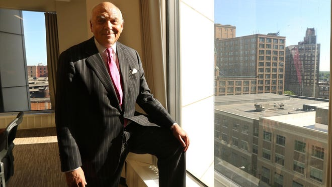 "E. Malcolm ""Sandy"" Wolcott Jr., vice chairman of middle market banking for JPMorgan Chase & Co., is retiring."