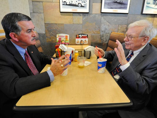 AP BUFFETT LAUNCHES S'MORES BLIZZARD AT DQ A CPACOM USA NE
