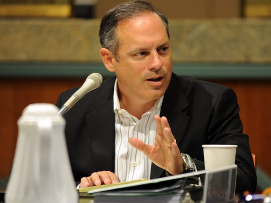 City Commissioner Scott Maddox, who sits on the community school panel, advocated for opening a school in south city during a meeting Monday.