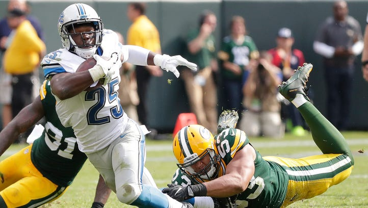 Packers outside linebacker Nick Perry tackles Lions