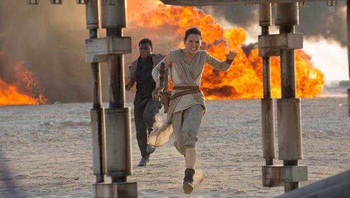 Finn (John Boyega) and Rey (Daisy Ridley) in new Japanese