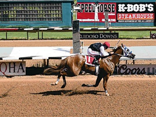 Bodacious Eagle winning his Rainbow Derby trial.