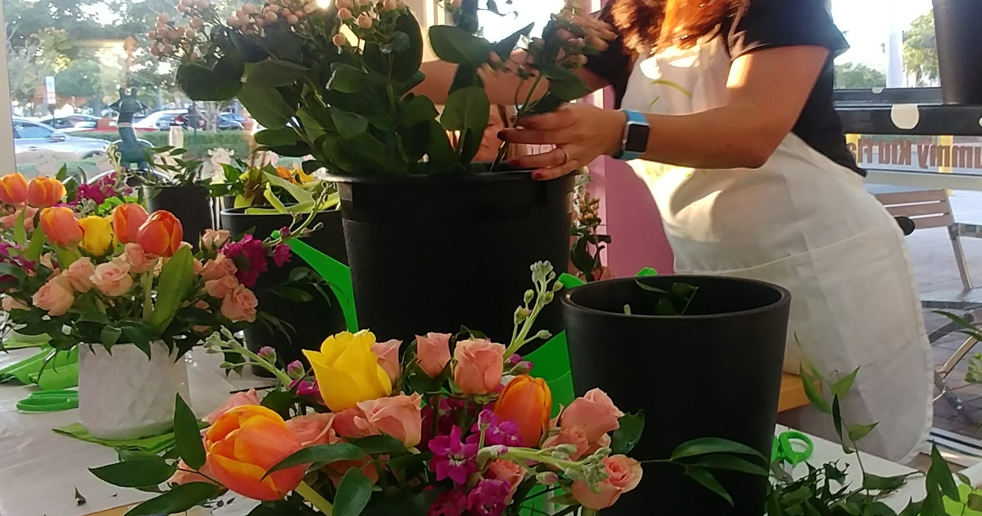 Alices Table Parties Gives Lessons In Flower Arranging In Cape