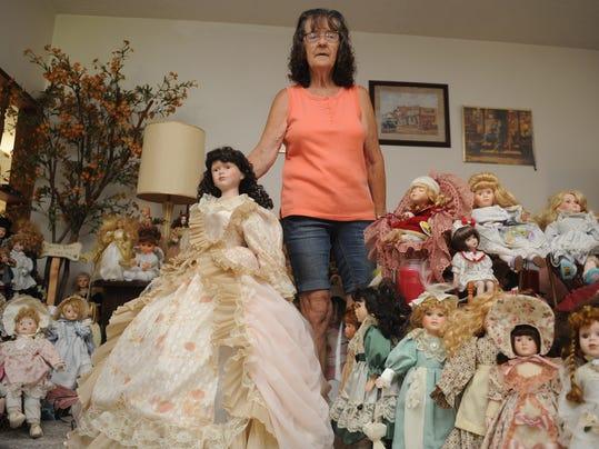 cos 07xx donna felton dolls 001.JPG