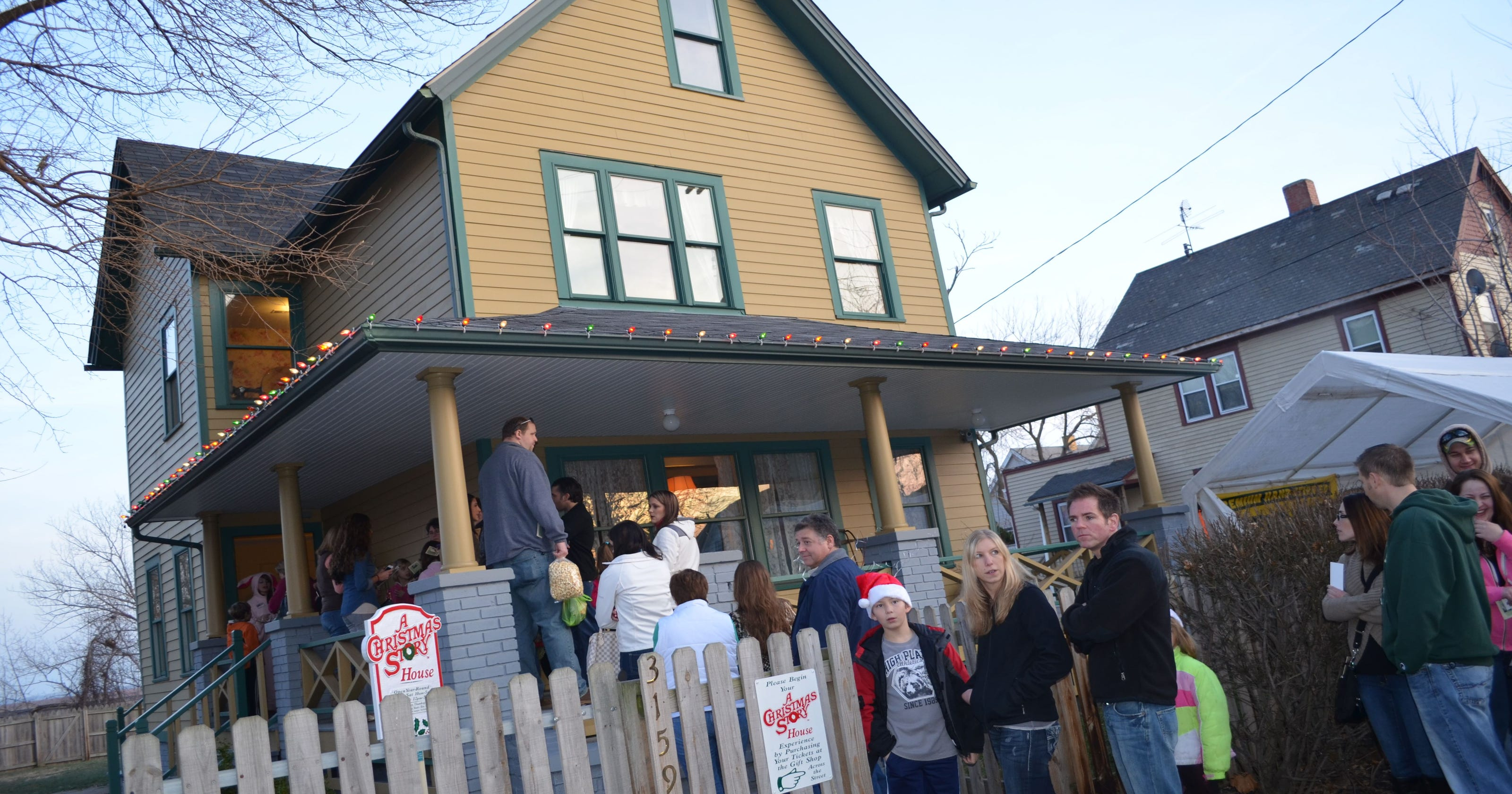 spend the night inside the christmas story house
