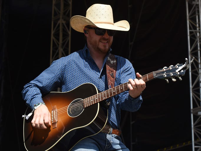 Country singer Cody Johnson plays at the 2017 Taste