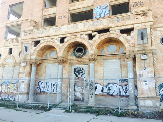 The front door to the Lee Plaza tower in Detroit.