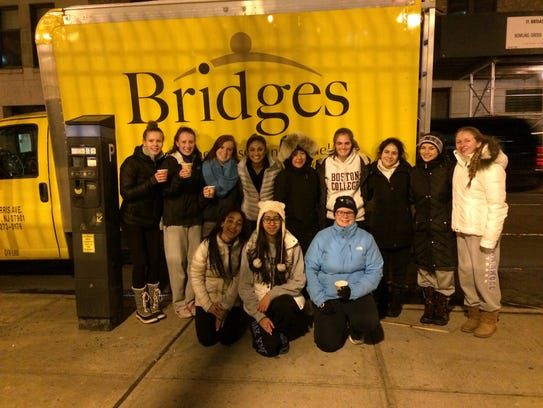 Oak Knoll and The Pingry students serve meals to homeless