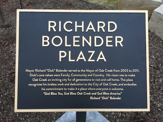 The plaque dedicating the plaza of Drexel Town Square.