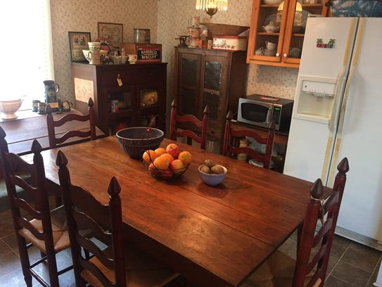 The Huddleston estate sale is set for 8 a.m. to 3 p.m.