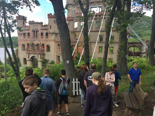 Visitors at Bannerman Castle