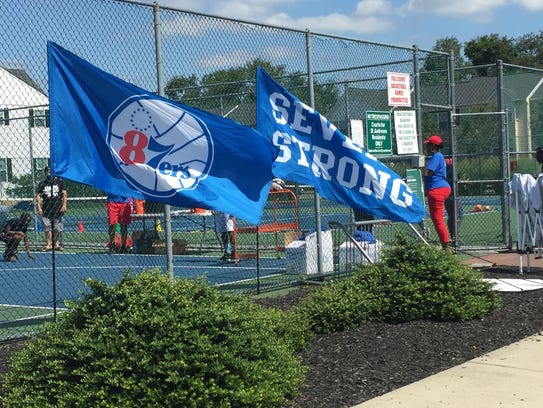 The 87ers hold a basketball clinic during the Community