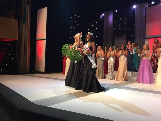 Miss Michigan USA Elizabeth Johnson and Miss Michigan