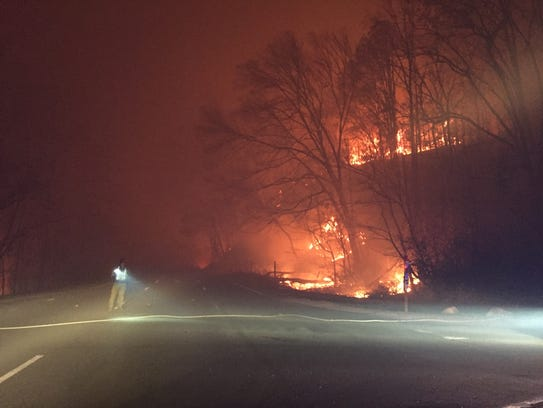 Fire burns right up to the Spur between Pigeon Forge