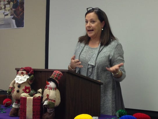 Shelia Reynolds speaks Tuesday about her Hospice experience