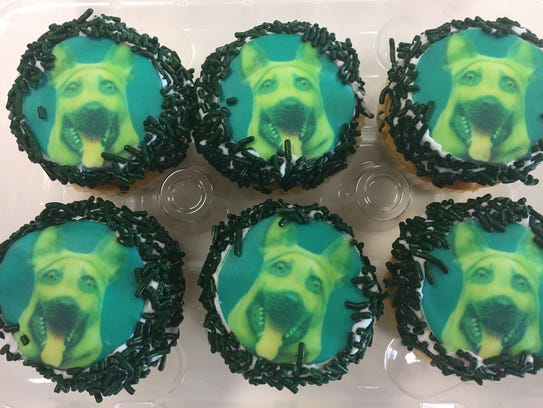 Who let the dogs out? Cupcakes ($1.65 each) decorated