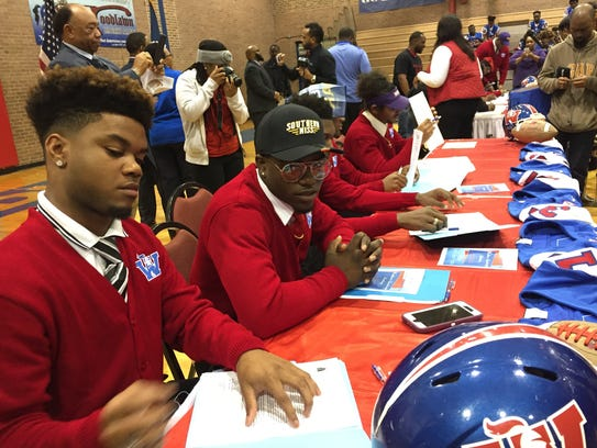 Woodlawn had 11 student-athletes sign letters of intent