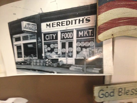 A photo of Meredith's Market in Clinton from the 1950s