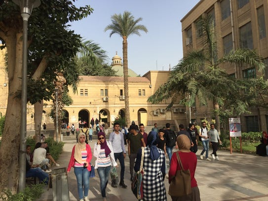 With more than 260,000 students Cairo University in