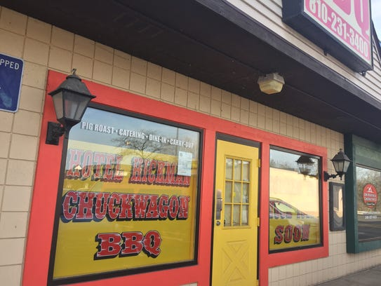 Hotel Hickman Chuckwagon BBQ new Hamburg Township location