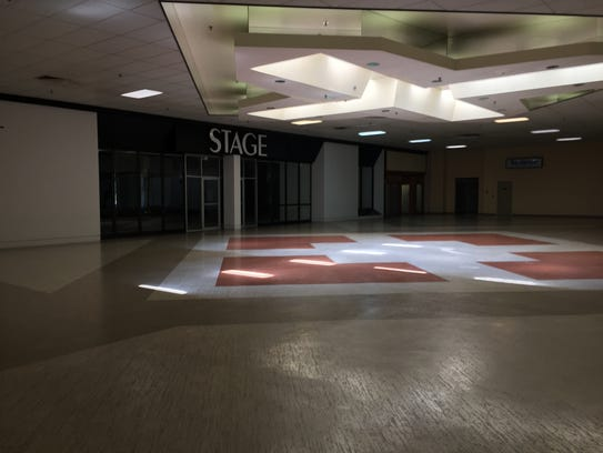 A Stage clothing store has closed at Northgate Mall.