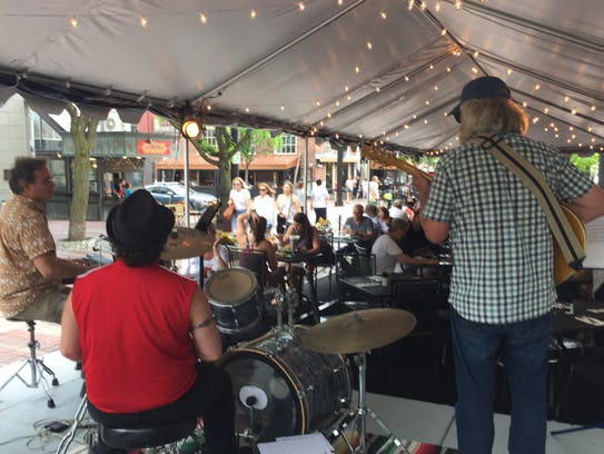 Greenbush plays for a late-lunch crowd Friday, June
