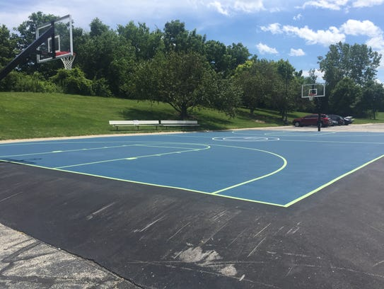 5 tech companies with alluring outdoor spaces for Built in basketball court