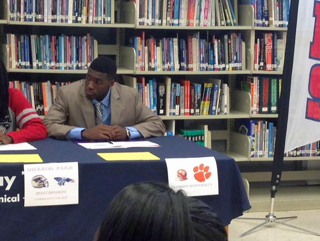 Tampa Bay Tech's Deon Cain announces his commitment to Clemson.