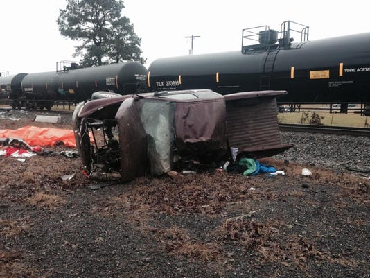 635596968844670696-Longstreet-train-truck-fatalities