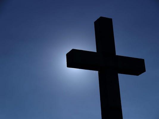 635618903766658770-Cross
