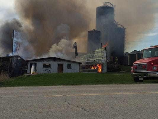 635664439417046980-DCA-0506-Barn-fire-2