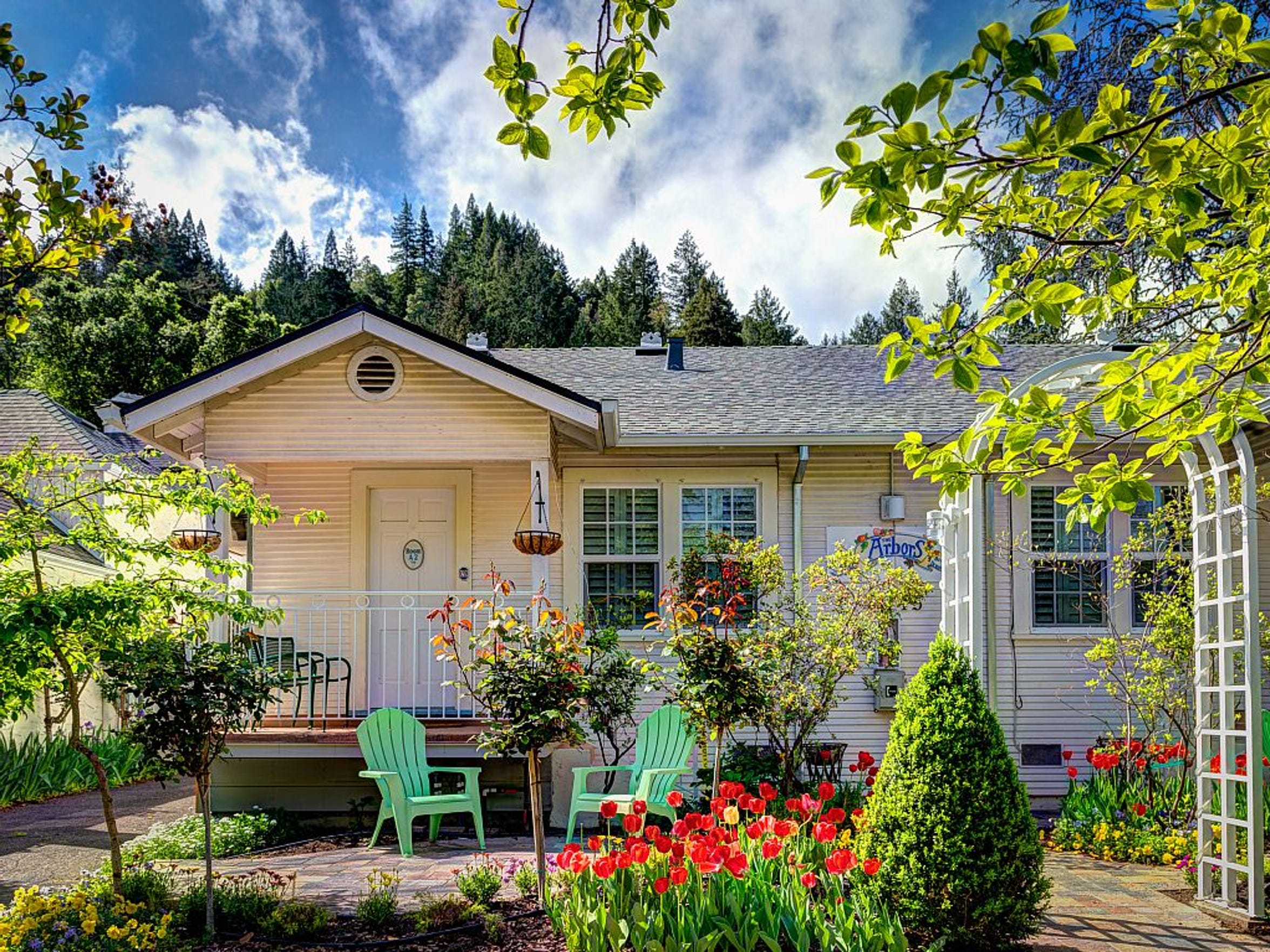 Calistoga Arbors Cottages boast comfy beds, a kitchenette and outdoor garden, and are within walking distance of downtown Calistoga — perfect for those who plan to sip the days away.