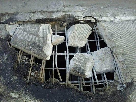 i-75 springwells pothole mdot