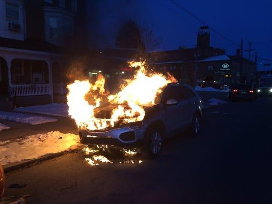 635908107191043102-car-fire.jpg