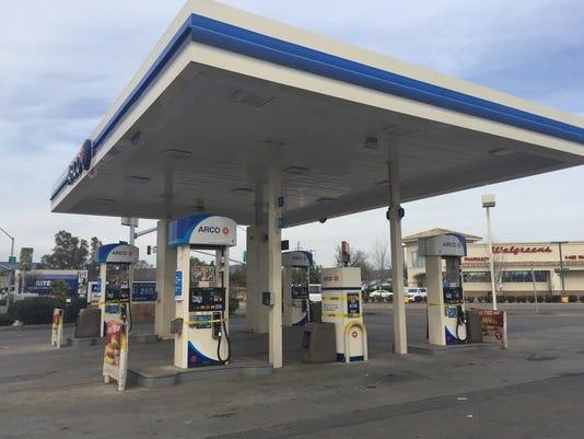 636226052349339552-GasStations.jpg