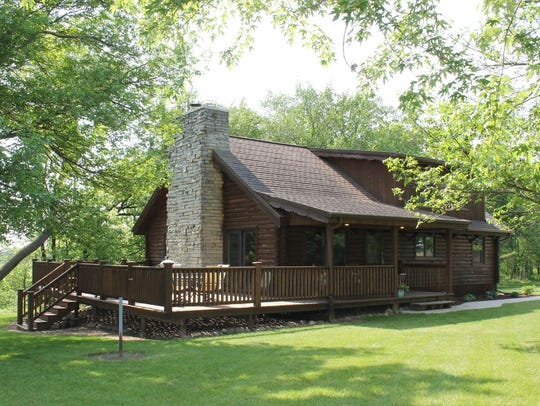 Knotty Pine Guest House, Fort Atkinson