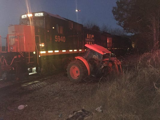 636506881434492411-tractor-train.jpg