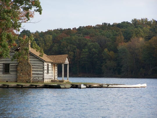 The boat house at Lincoln State Park.