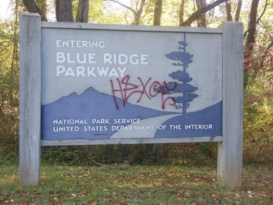 636657904301503066-Parkway-graffiti.jpg