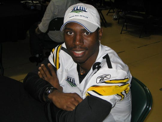Former Riverdale standout Fernando Bryant finished his NFL career in Pittsburgh, where he won his first Super Bowl ring in 2009.