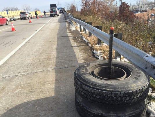 635520058160100283-tires