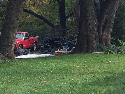 635485550976595030-burnt-garage