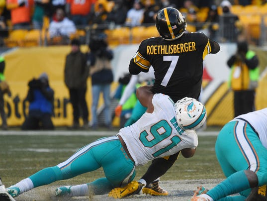 Ben Roethlisberger, Cameron Ware, Steelers wild Card win Dophins, Roethlisberger injury dolphins