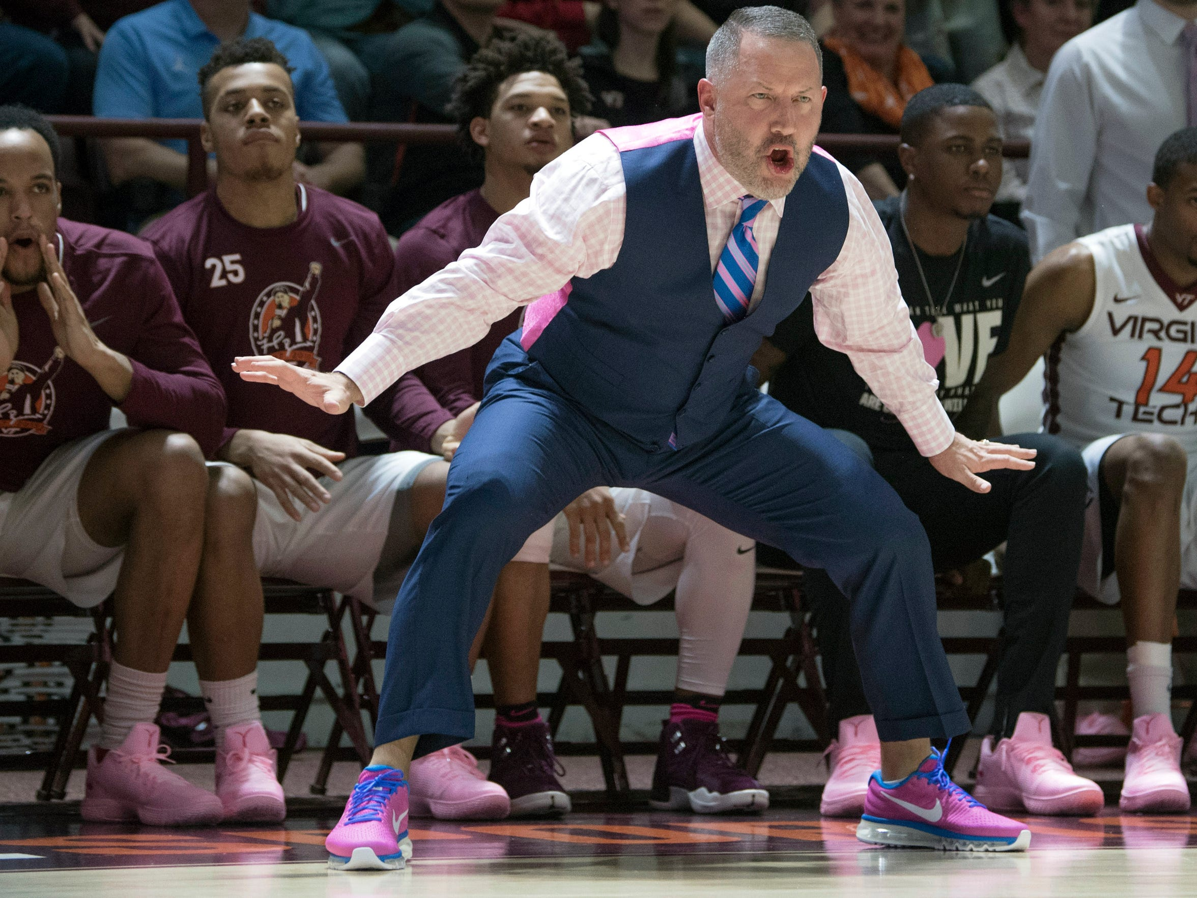 Virginia Tech's head coach Buzz Williams yells in the play against North Carolina during the first half of an NCAA college basketball game in Blacksburg, Va. Monday, Jan. 22, 2018. (AP Photo/Lee Luther Jr.)
